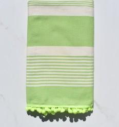 Fouta crema e verde con pompon