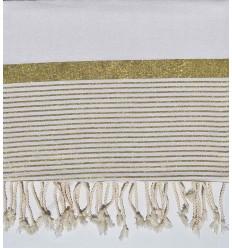 copriletto medio 1.5*2.5m bianca con fili d'oro lurex